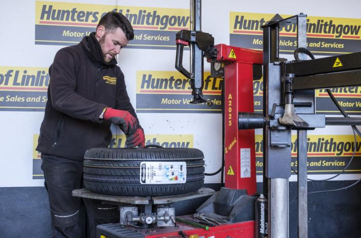 Tyres , Tracking & Punctures